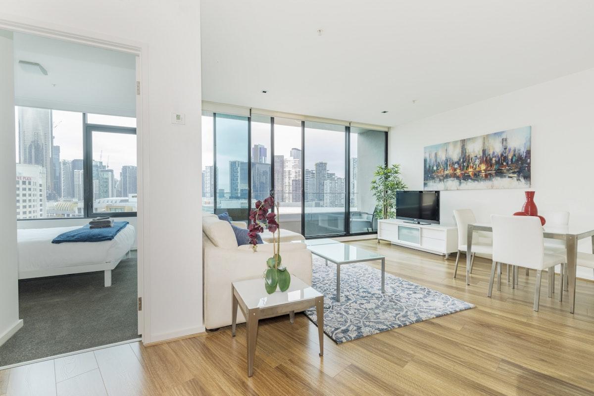 Sensational Melbourne Accommodation Waterfront Melbourne Apartments Download Free Architecture Designs Estepponolmadebymaigaardcom